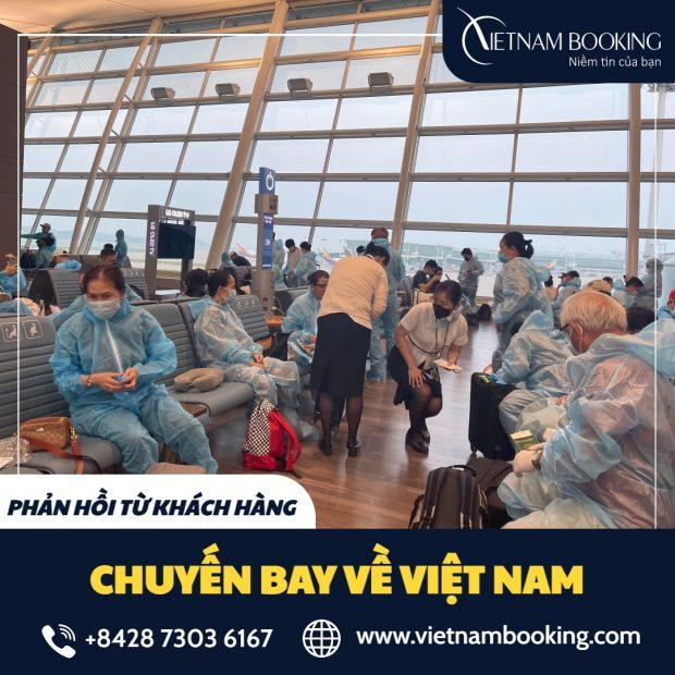 Hành khách đang chuẩn bị lên máy bay từ Croatia về Việt Nam khi đăng ký dịch vụ tại Vietnam Booking